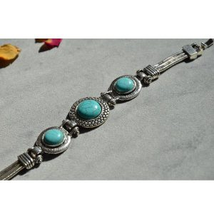 Hippe turquoise armband met hoge kwaliteit stalen band en leuke stenen
