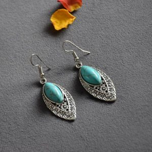 """Ovalen """"blad"""" vormige turquoise oorbellen"""