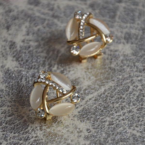 2020-1 – Goedkope klassieke goudkleurige oorbellen met pareltjes