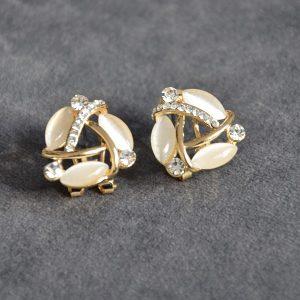 Goedkope klassieke goudkleurige oorbellen met pareltjes