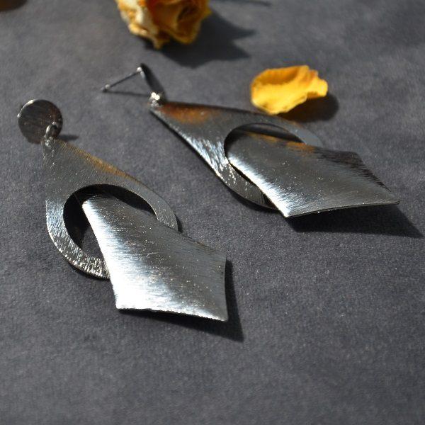 2026 – Lange moderne antraciet oorbellen hangers