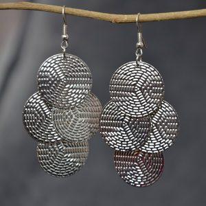 Moderne zilver kleurige schijfjes oorbellen