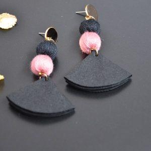 Goedkope stoffen zwarte gekleurde oorbellen met stopje